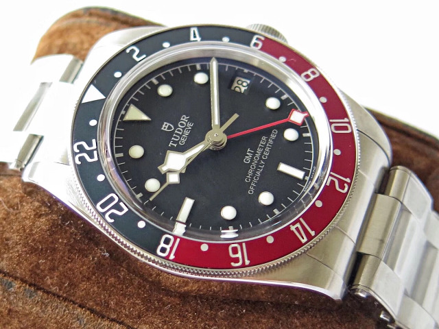 Replica Tudor Blue Red Bezel